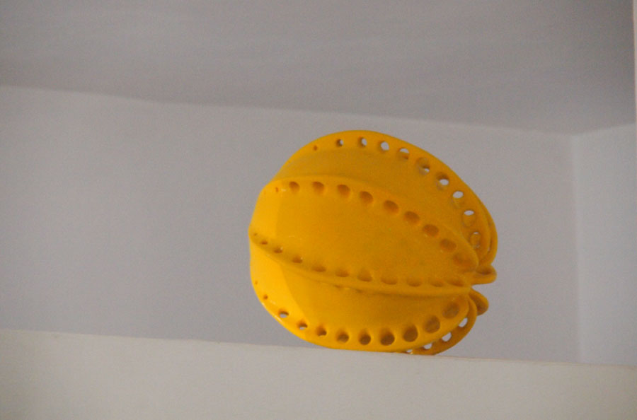 Prasto, Big yellow butterfly egg©, 2013; Ceramic, car paint, 47x38 cm